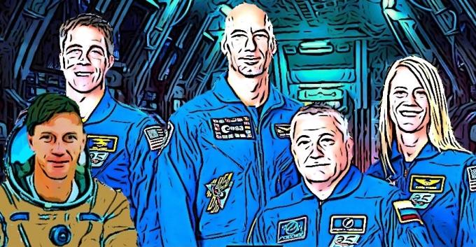 Command Crew (2)